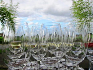 Bordeaux wine Glasses blue sky 300x225 Crus Bourgeois Classification Bordeaux Wine Chateau Producer Guide