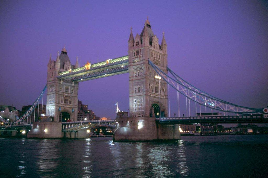 scenery-london-bridge