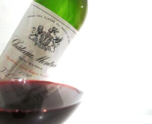 1990 Montrose 300x244 1989 Chateau Montrose Vs 1990 Montrose Whos on First?