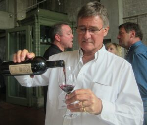 2010 Bill Blatch 300x255 2010 Pomerol 2010 St. Emilion Offers Early Look at 2010 Bordeaux