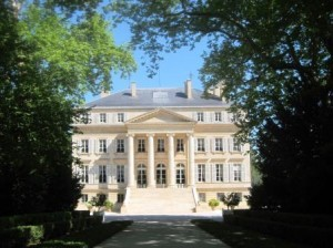 Visit Bordeaux Chateau 300x224 How to Visit Bordeaux Top Chateau for the Best Wine Tastings